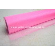 Sull'organza rosa